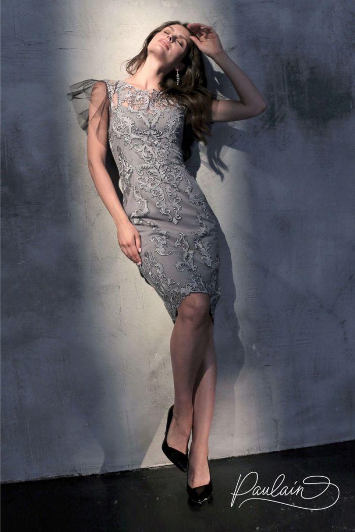 Кружевное коктейльное платье серого цвета с рукавом крылышком СЕЙДЖ