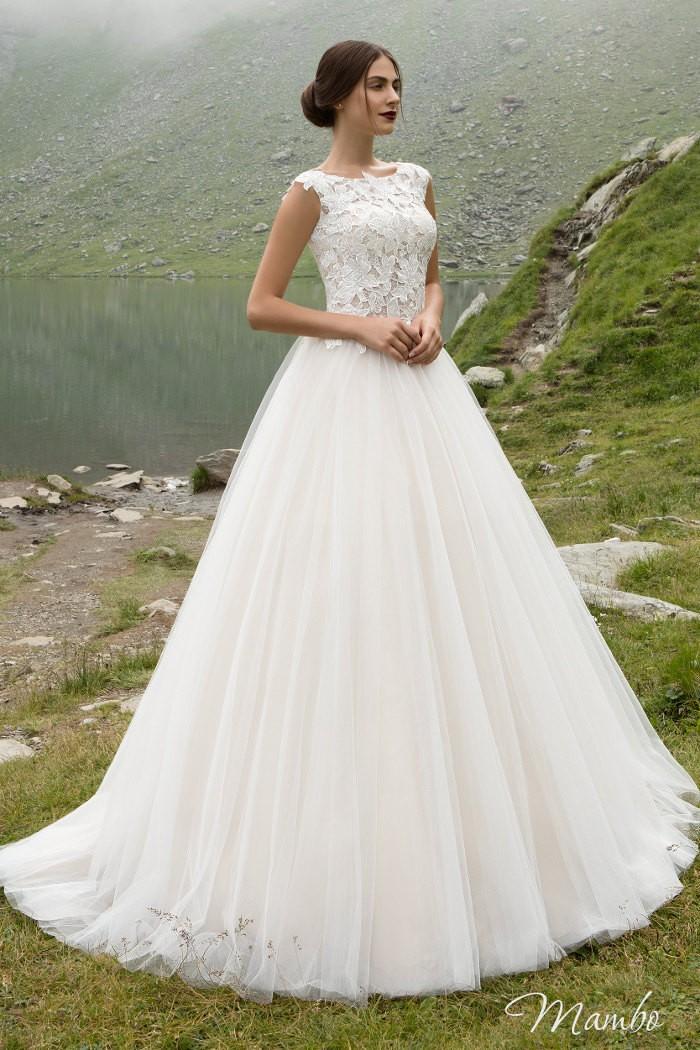 Прелестное свадебное платье с классическим А-силуэтом МАМБО