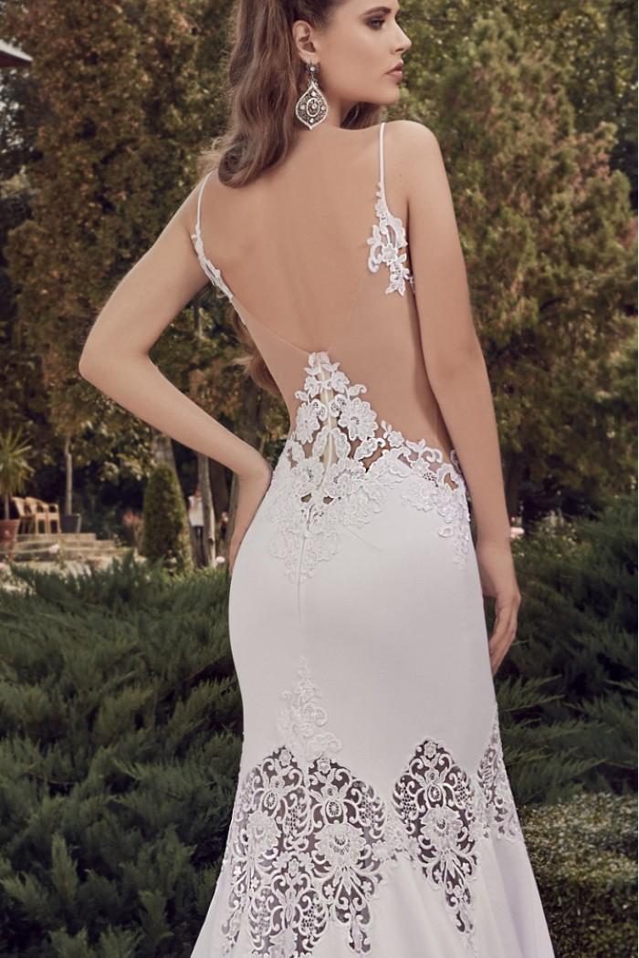 Свадебное платье силуэта рыбка с открытой спиной СИРЕНА
