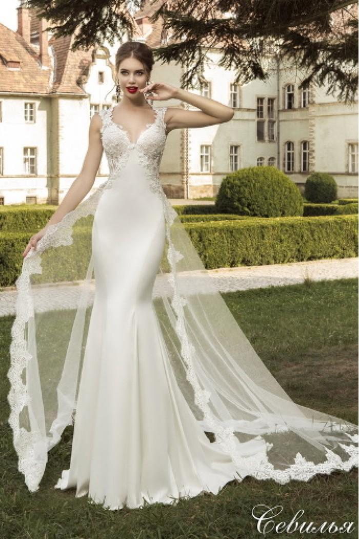 Атласное свадебное платье силуэта Рыбка со шлейфом СЕВИЛЬЯ