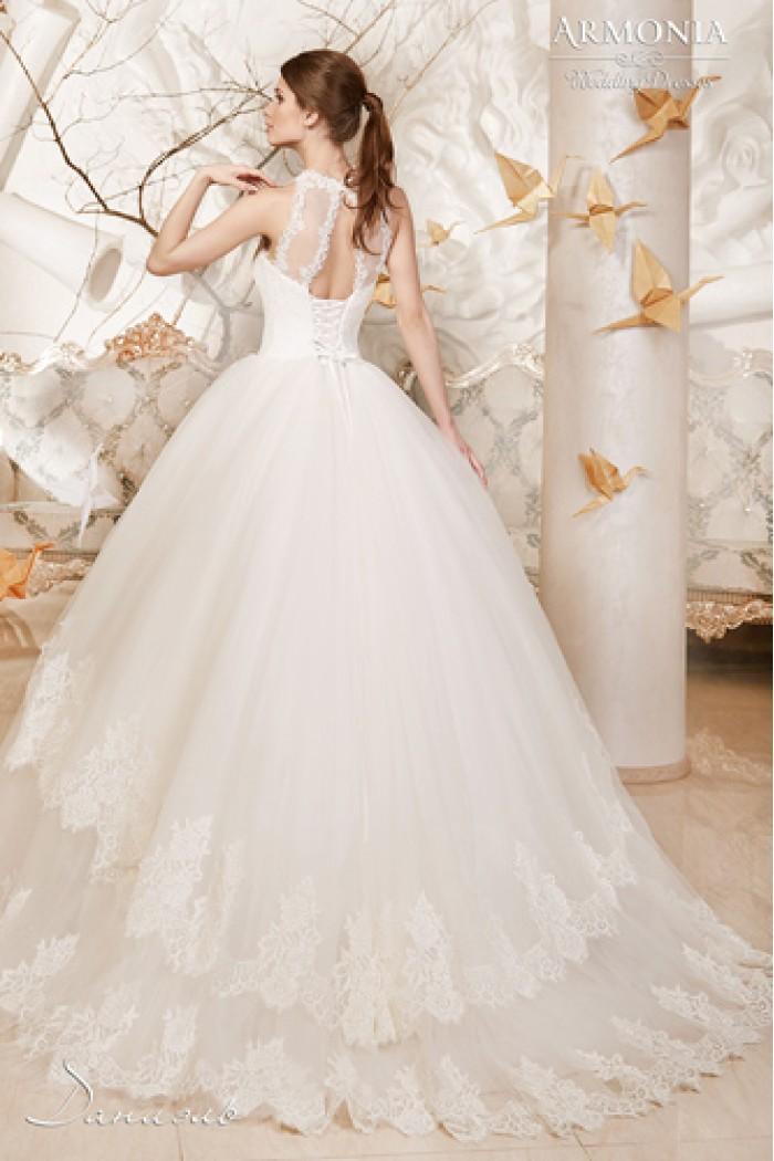 Свадебное платье с пышной юбкой и кружевным шлейфом ДАНИЭЛЬ