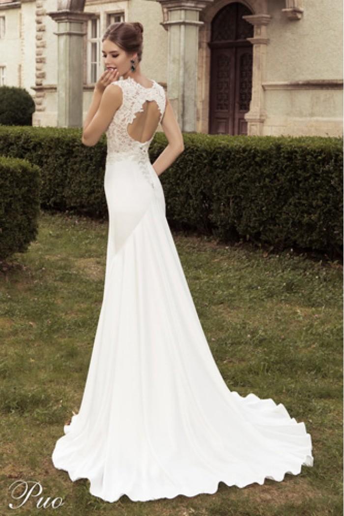 d0eb2af966c Свадебное платье силуэта Годе с кружевом и шлейфом в Хабаровске