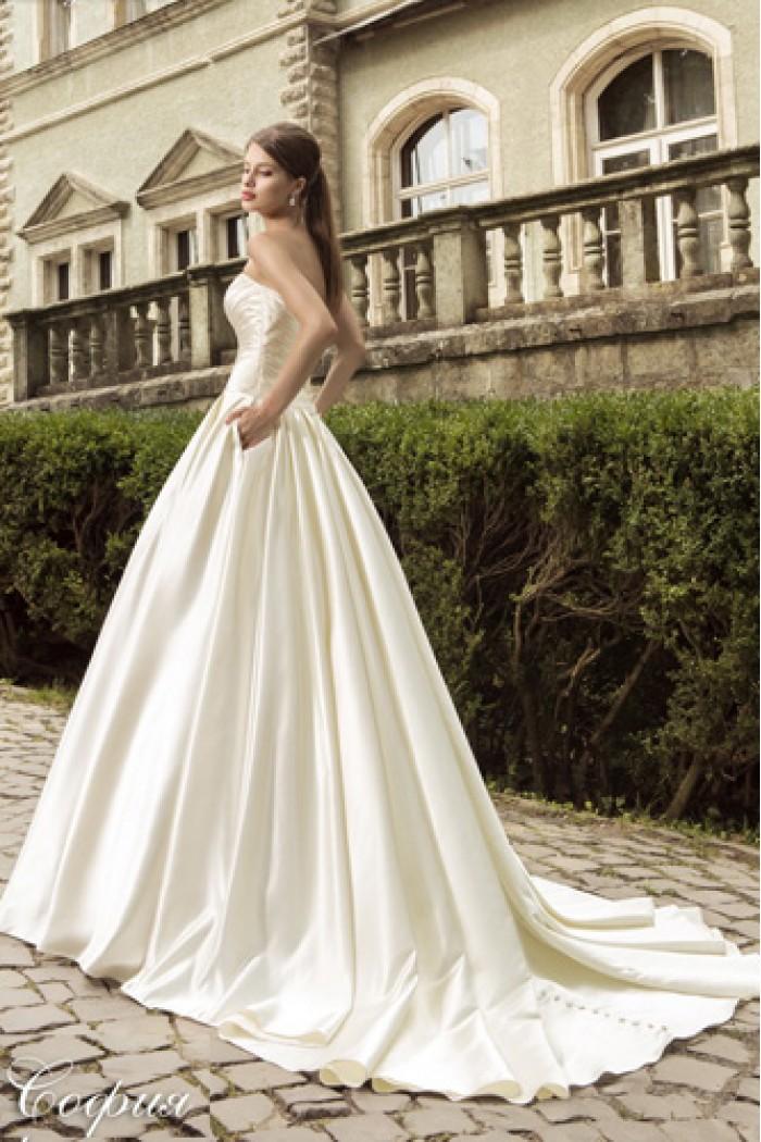 Пышное свадебное платье с атласной юбкой и шлейфом СОФИЯ