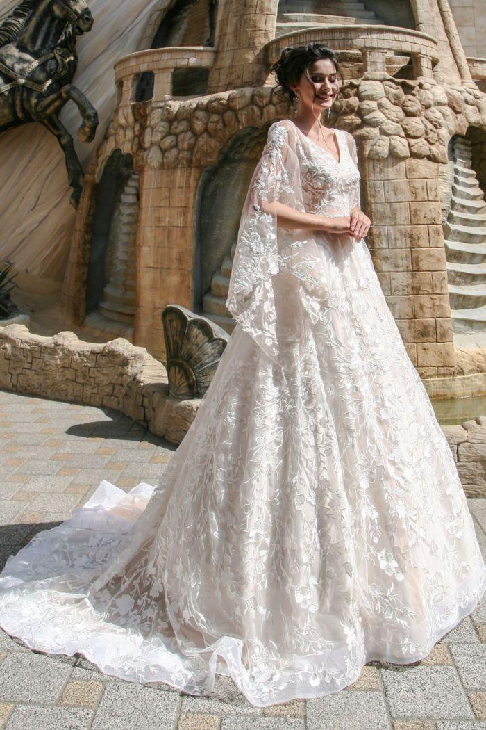 Аристократическое свадебное платье с рукавами МИЛАНА