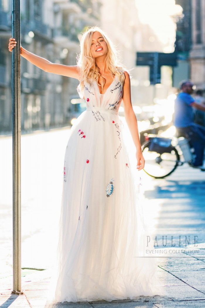 Легкое платье с женственным силуэтом и утонченными деталями ЛОС АНДЖЕЛЕС