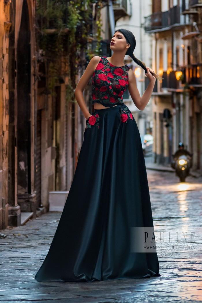 Атласное вечернее платье с аппликацией красными розами МАДРИД