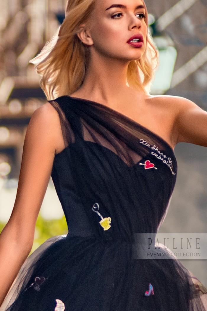 Дизайнерское платье украшенное яркими вышивками ПАРИЖ