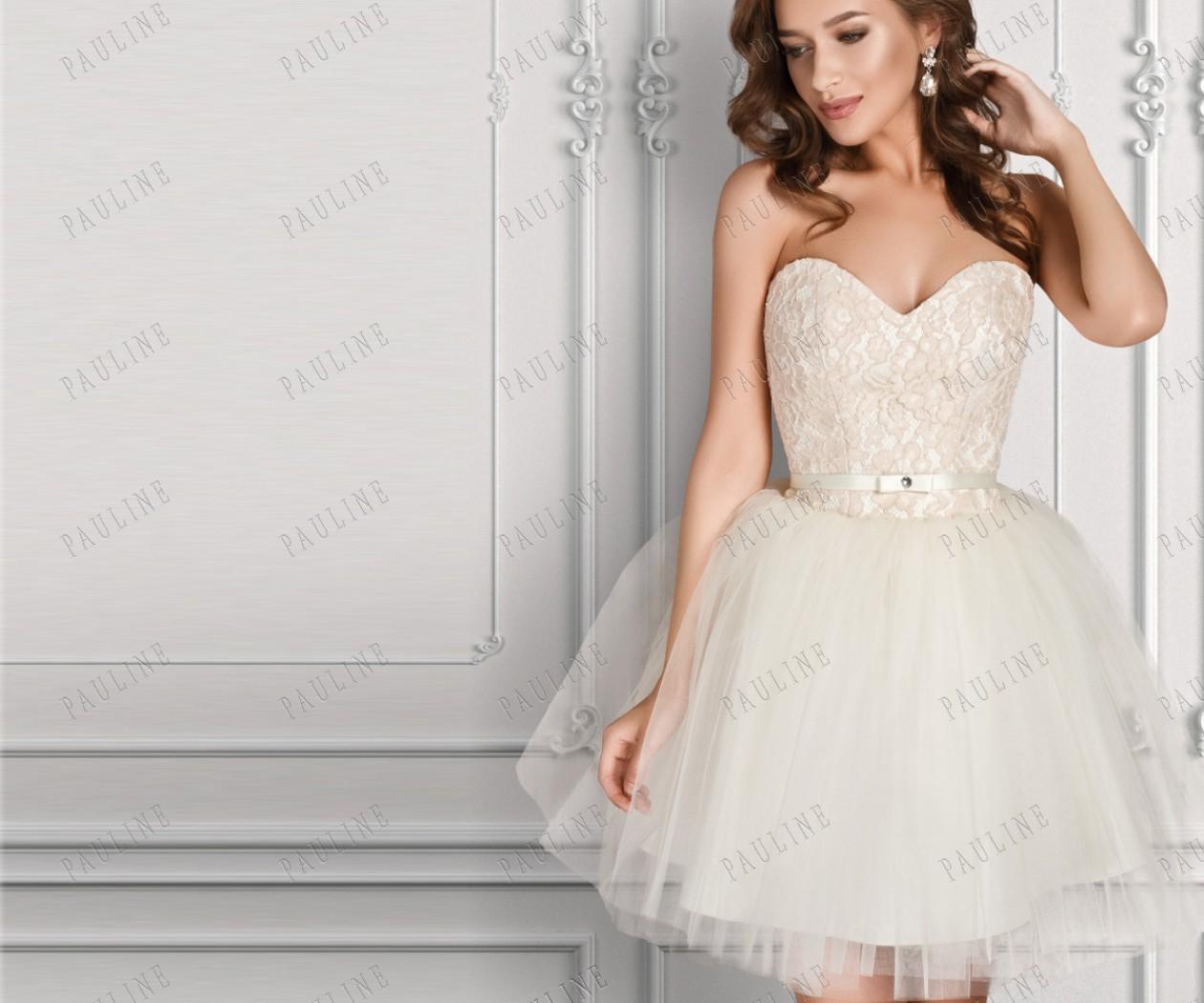 Вечернее платье нежного цвета с открытыми плечами ЛАВЬЮ