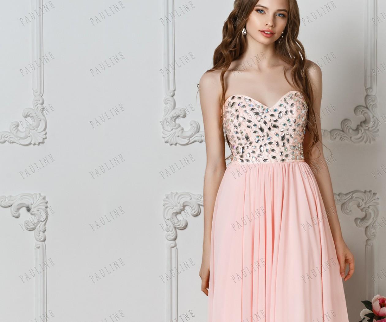 Длинное вечернее персиковое платье с открытыми плечами МИРРОУ