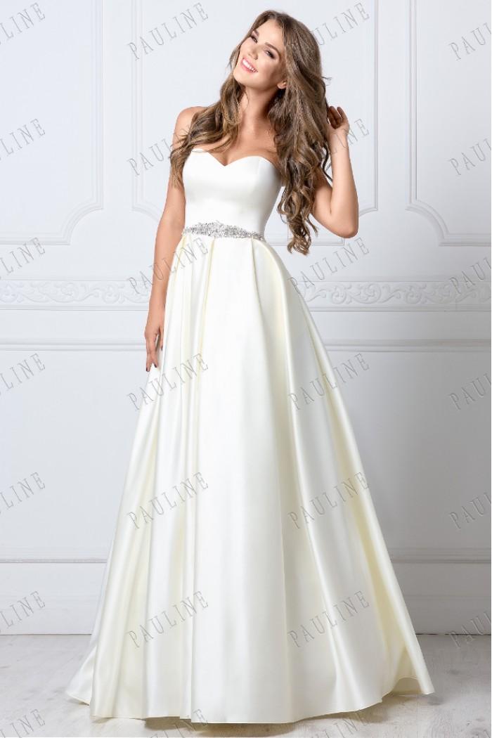 Красивое длинное платье с открытыми плечами МУСКАТ