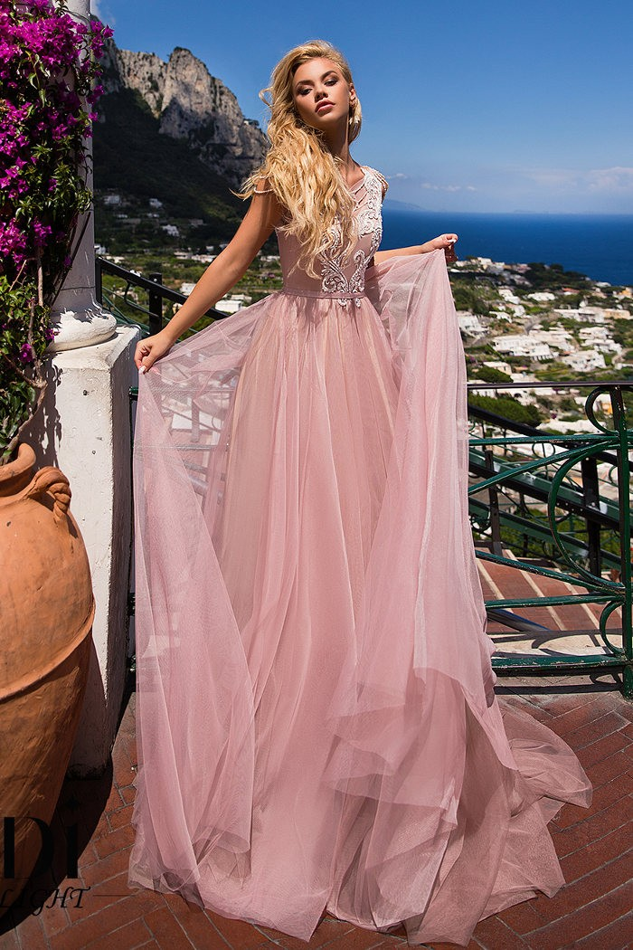 Женственное свадебное платье с открытой спиной АНГЕЛИКА