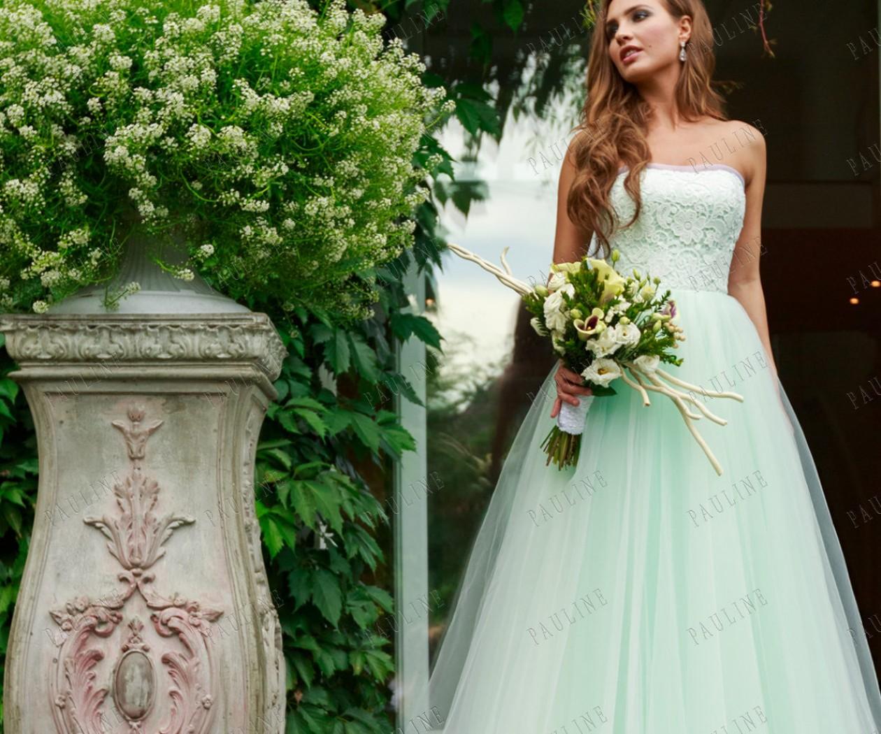 Свадебное платье с пышной юбкой и корсетом ОМЕЛЬЕ