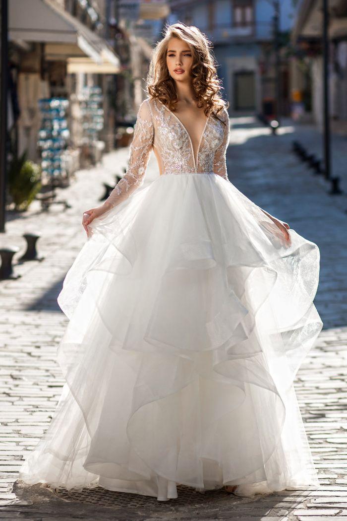 Потрясающее свадебное платье с открытой спиной и многоярусной юбкой ОДРИ