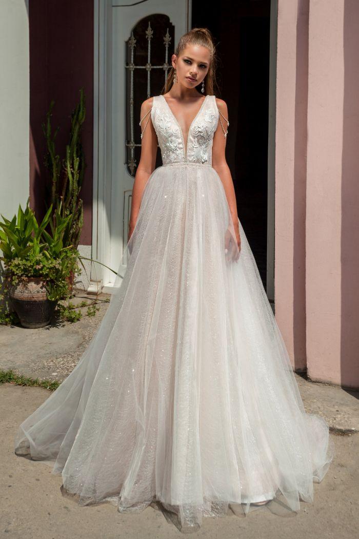 Свадебное платье из легкой и сверкающей ткани-паутинки БЬЯНКА