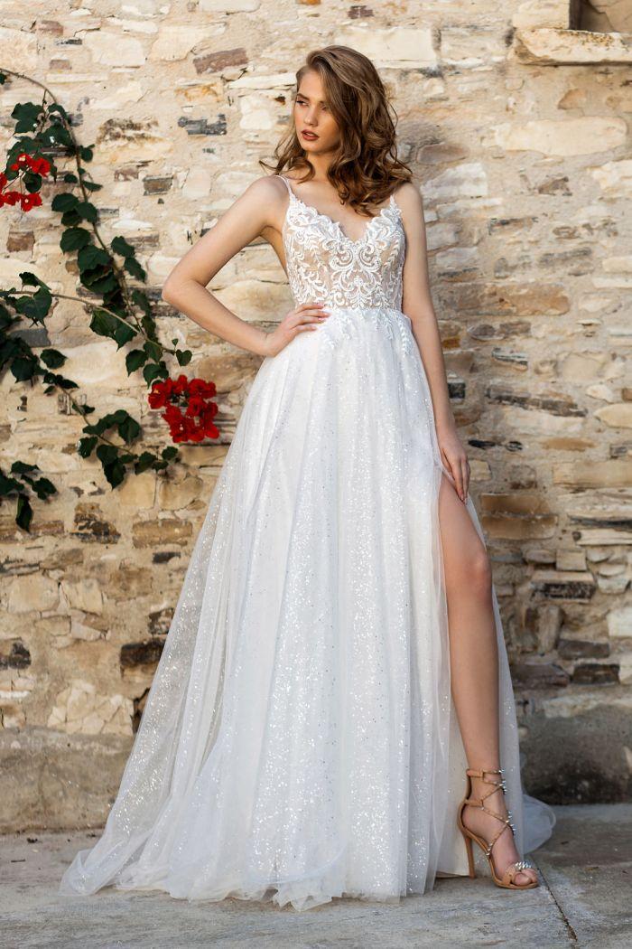 Летнее свадебное платье с открытой спиной декорированная жемчужными нитями ДЕБОРА