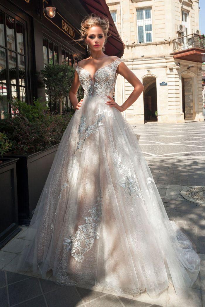 Величественное свадебное платье с многослойной юбкой JOAN