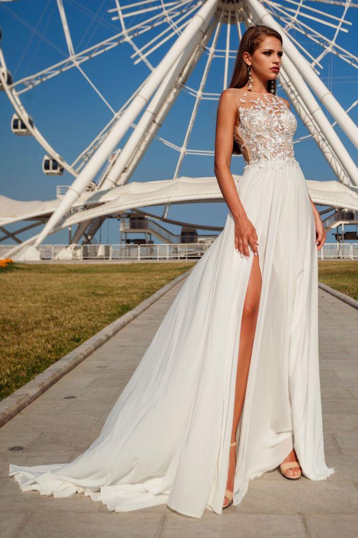 Элегантное свадебное платье с открытой  спиной и струящейся шифоновой юбкой ТАЙРА