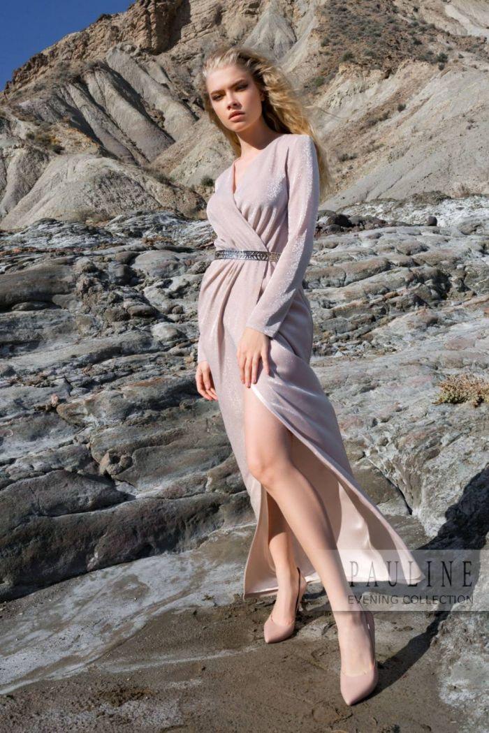 Вечернее платье легкого асимметричного силуэта с изящными драпировками РАНИЯ
