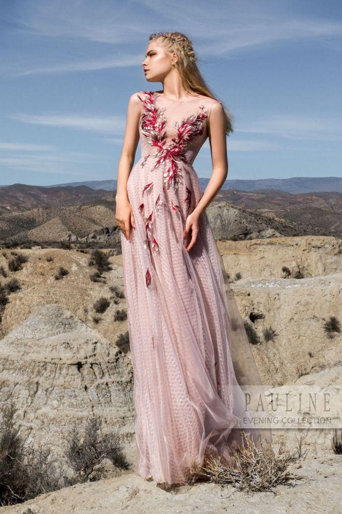 Нежное платье пудрового цвета с декором ЦВЕТОК ПУСТЫНИ