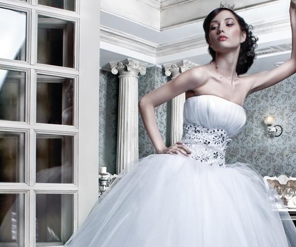 Длинные, классические свадебные платья | Салон PAULINE Хабаровск