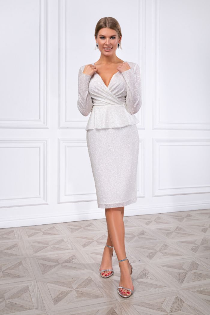 Сияющий комплект из приталенной блузки и узкой юбки с разрезом АДАЛИН