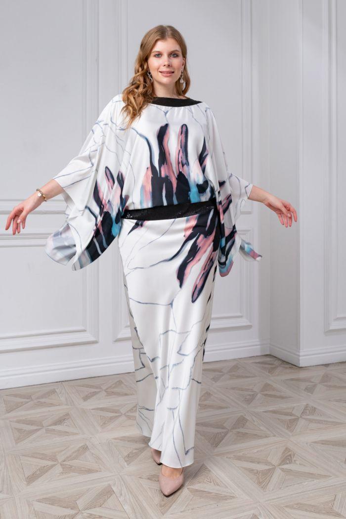 Легкое платье из атласа с оригинальным принтом и рукавами-крыльями БОНИТА