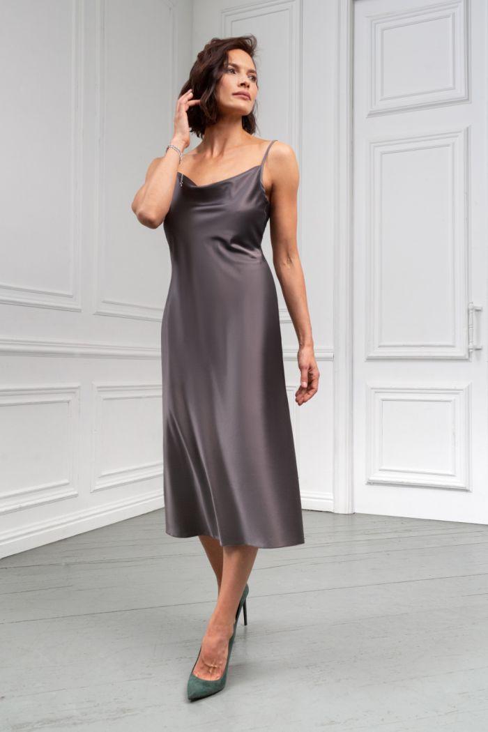 Коктейльное платье длины миди из тонкого атласа на тонких бретелях БОНИ