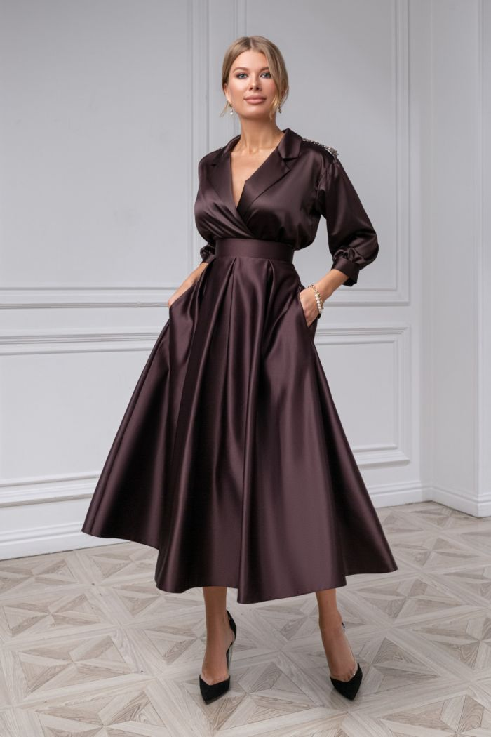 Атласная блузка с длинным рукавом и юбка чайной длины с карманами ИЛАЙН & ПИЛАР Миди
