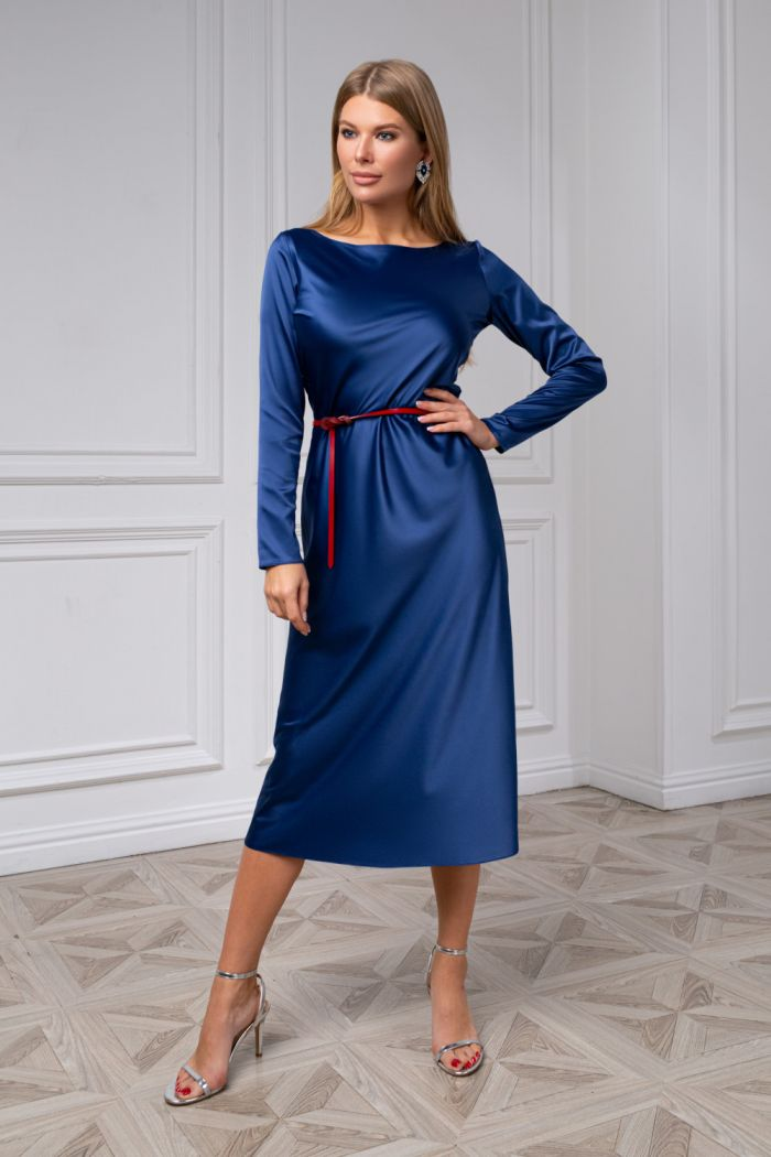 Лаконичное платье чайной длины из аристократичного атласа ТРИАНА