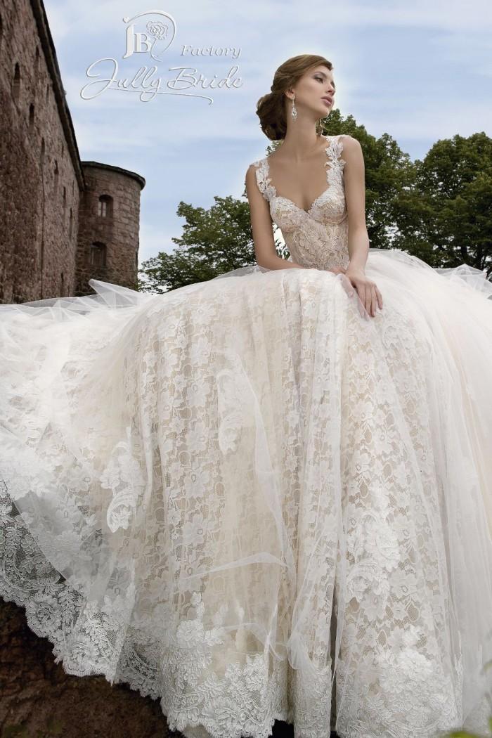 Пышное свадебное платье с длинным шлейфом ЛЕНОРА