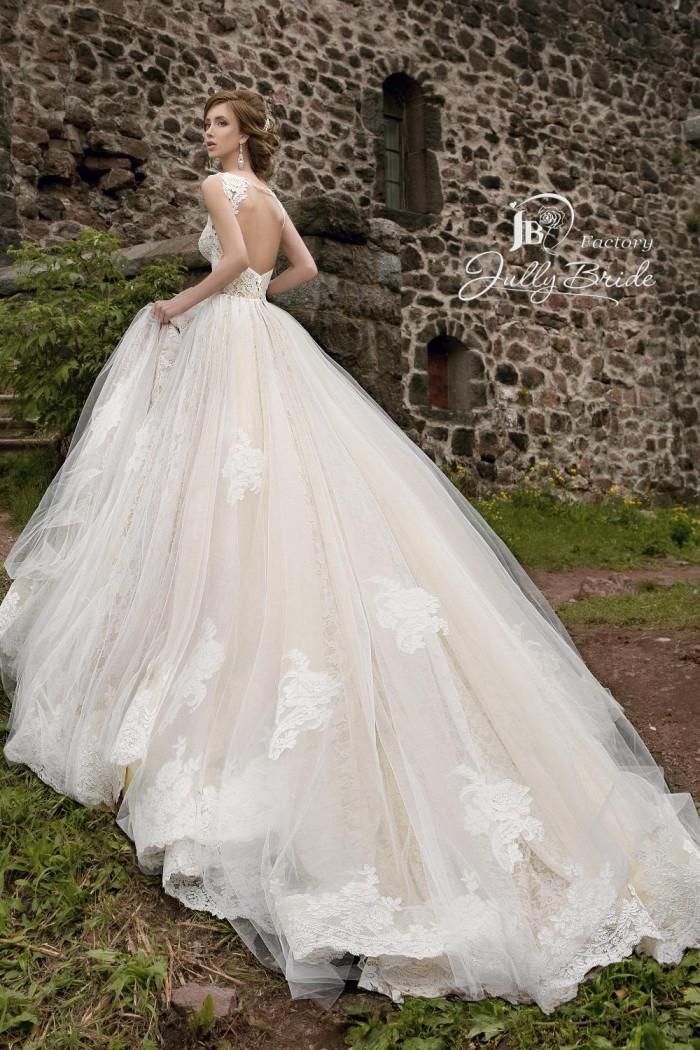 Пышное свадебное платье с длинным шлейфом JULLY BRIDE