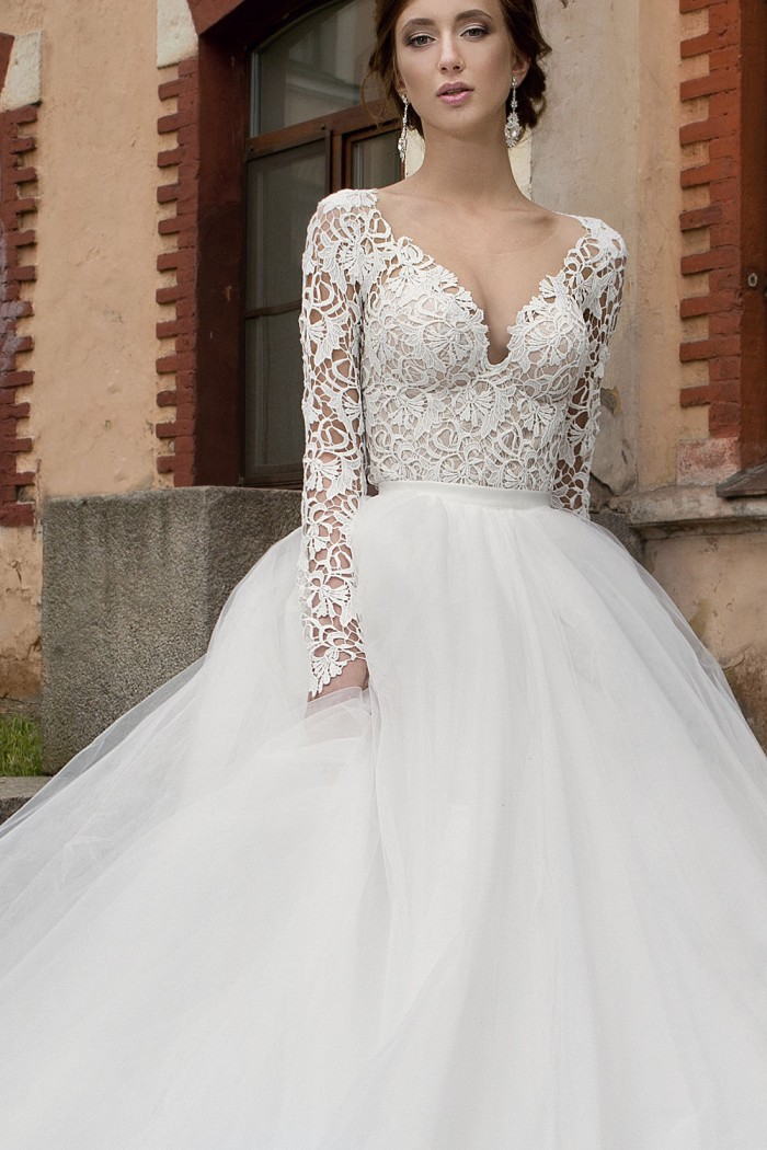 0d365feb190ea5d Кружевное свадебное платье трансформер с пышной юбкой в Хабаровске