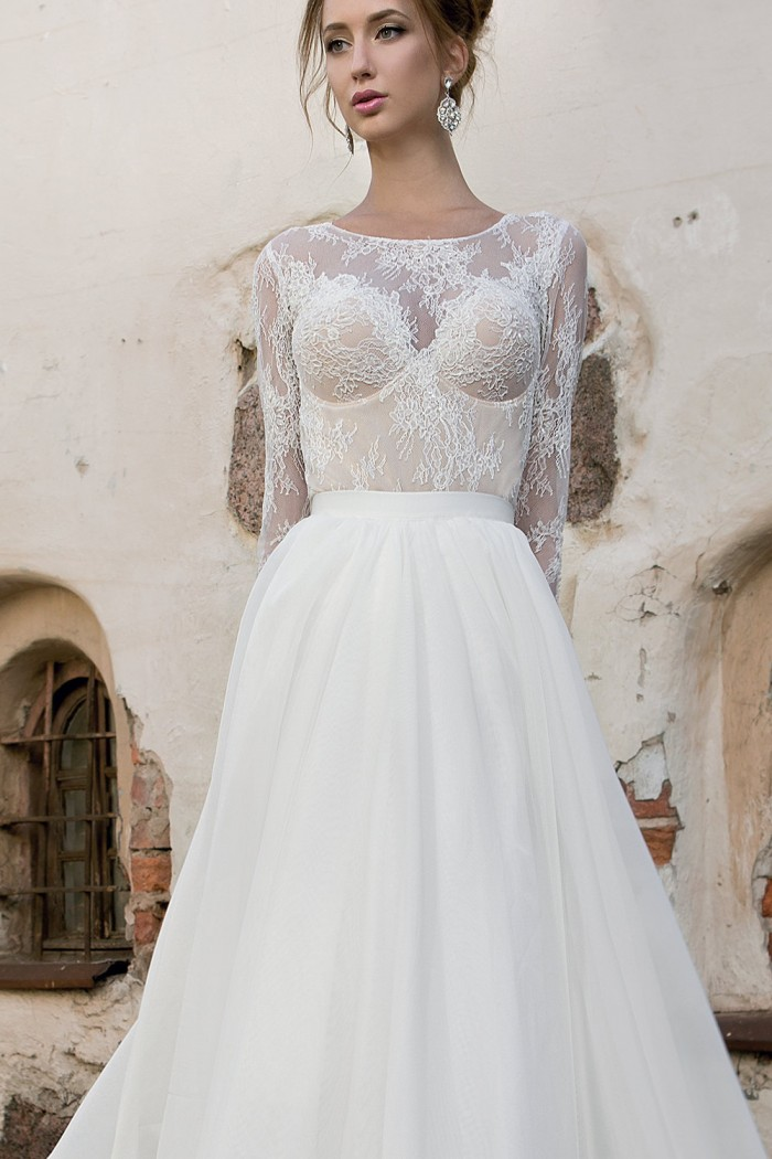 be65bf80d1a Свадебное платье трансформер А силуэта со шлейфом в Хабаровске