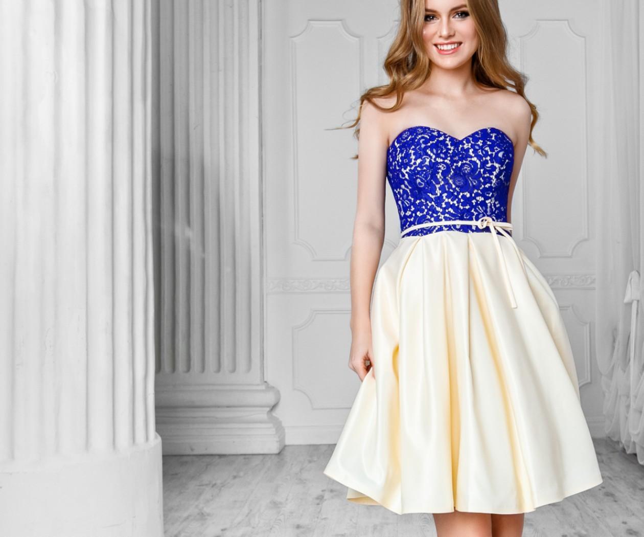 Коктейльное платье с атласной юбкой и фактурным кружевным лифом БЕАТА Мини