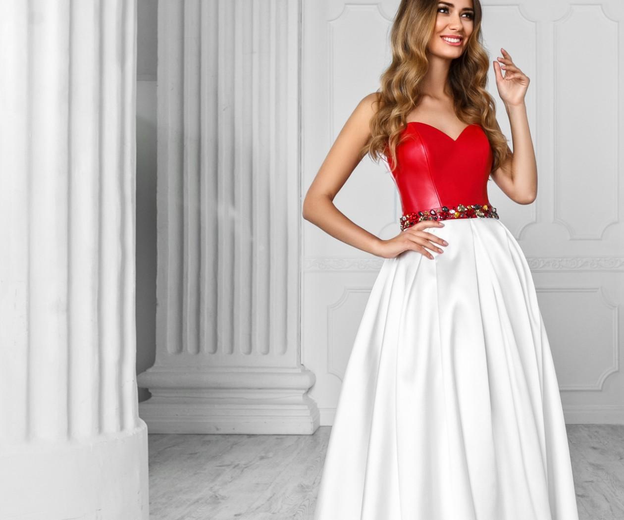 Купить В Москве Платье С Корсетом