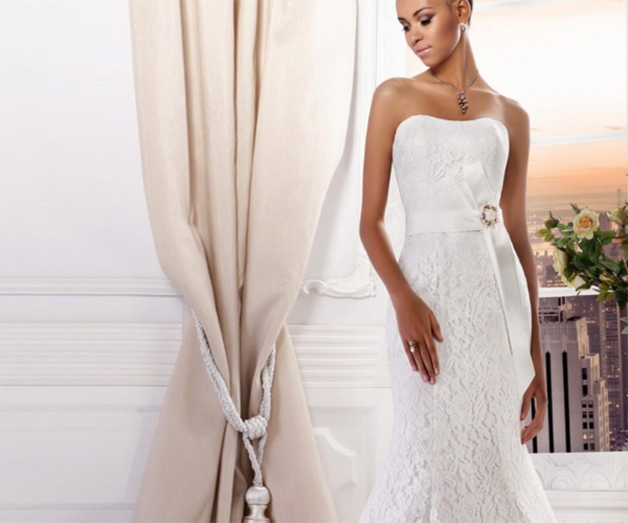 Свадебное платье с кружевом силуэта Годе ЧУВСТВА