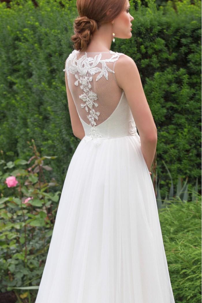 Нежное и легкое свадебное платье с прозрачной спинкой ФЕОДОСИЯ