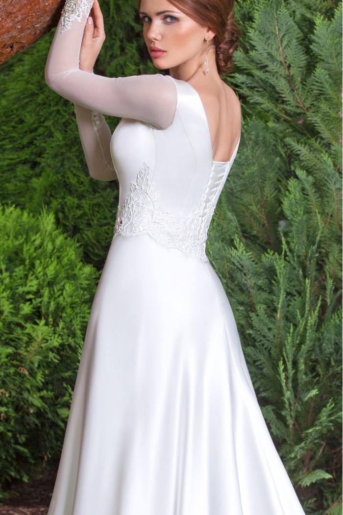 Свадебное платье с мерцающим декором ЯДВИГА