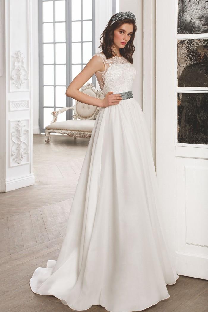 Романтичное свадебное платье молочного цвета с открытой спинкой РИККАРДА