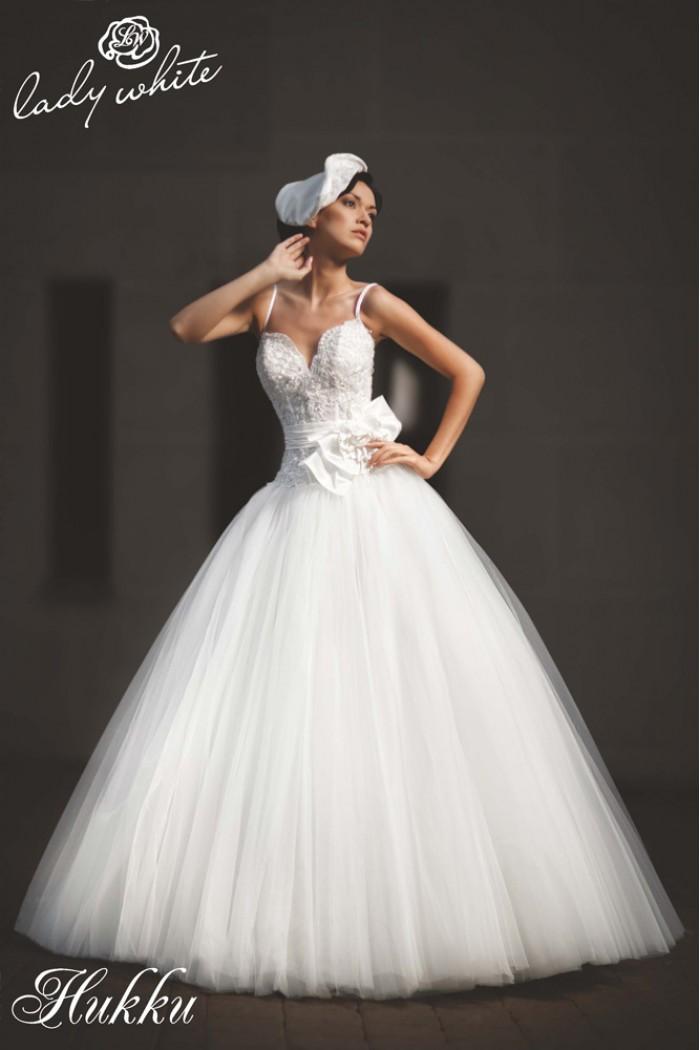 Свадебное платье с пышной фатиновой юбкой НИККИ