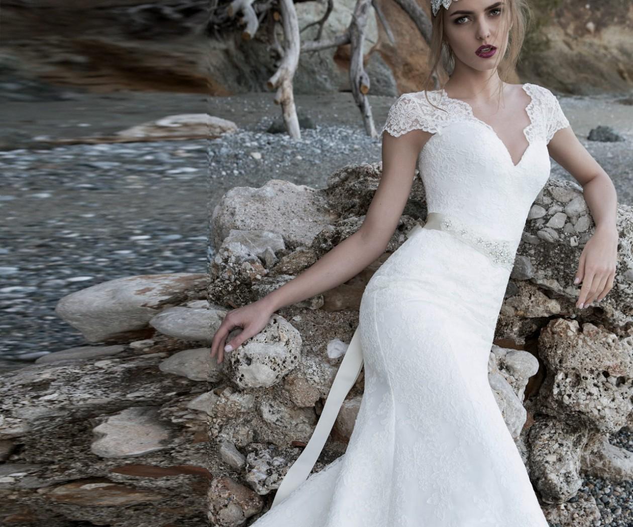 Свадебное платье из венецианского кружева силуэта русалка АЛЕКСАНДРИТ