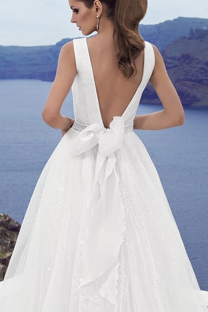 Свадебное платье А-силуэта с широкой юбкой и открытой спиной АВАЛАНЖ