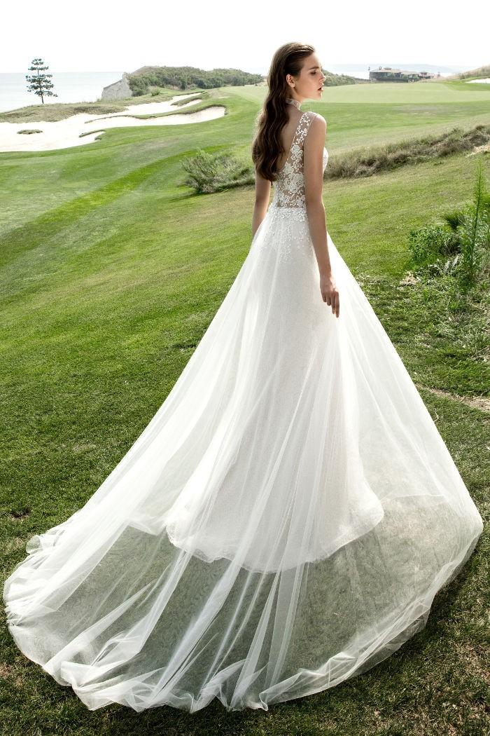 Чувственное и необычное свадебное платье-трансформер ДИАДЕМА