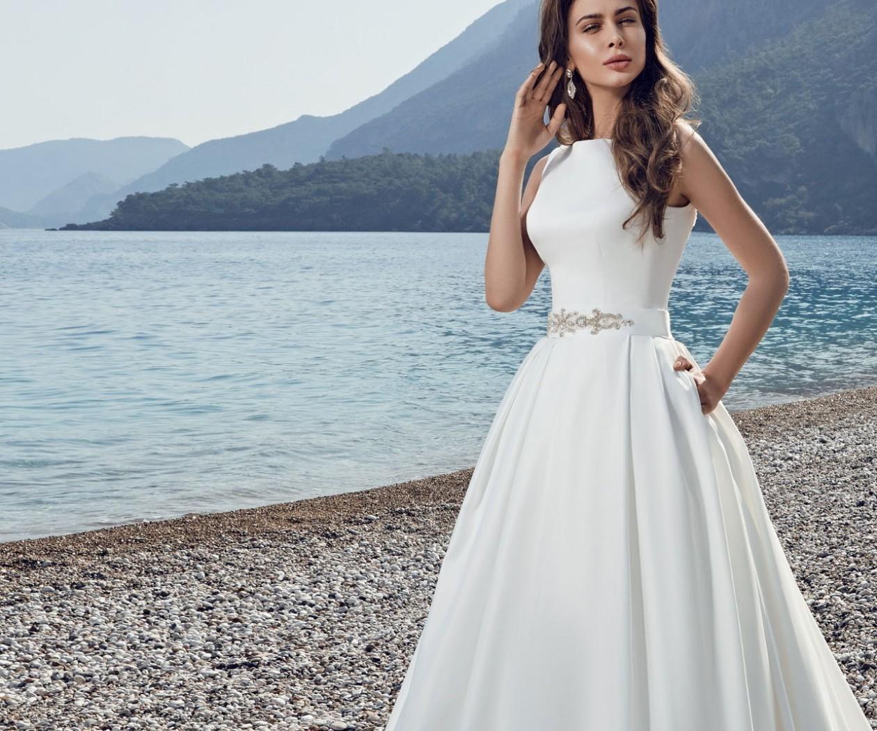 Подвенечное платье А-силуэта из ткани микадо ДИАМАНТ