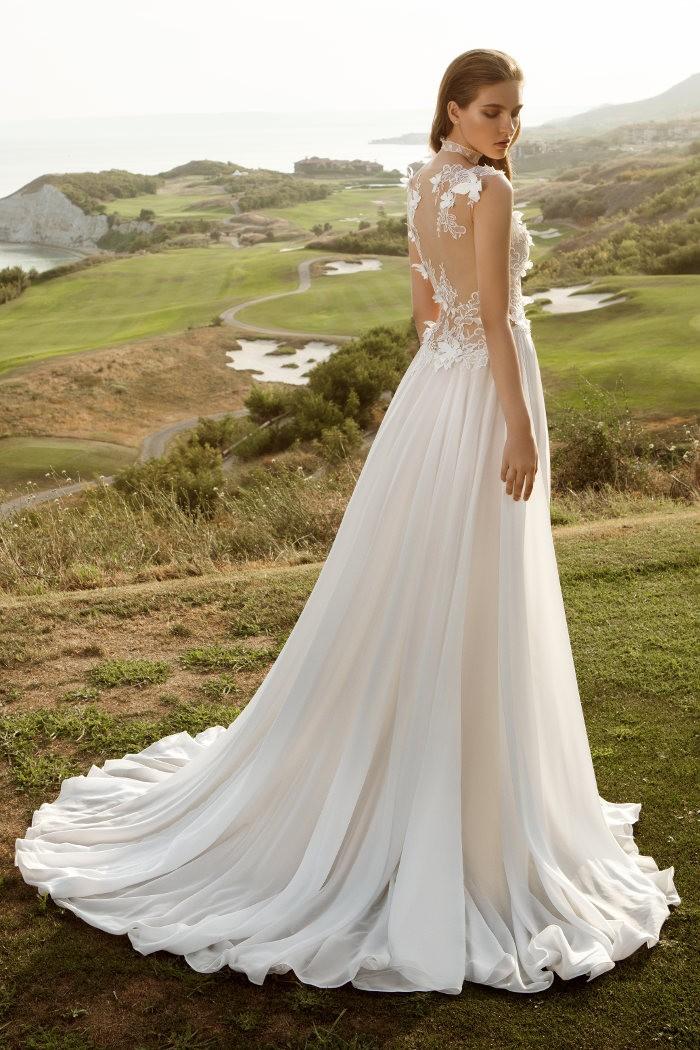 Воздушное струящееся свадебное платье для пляжной церемонии КАФФА