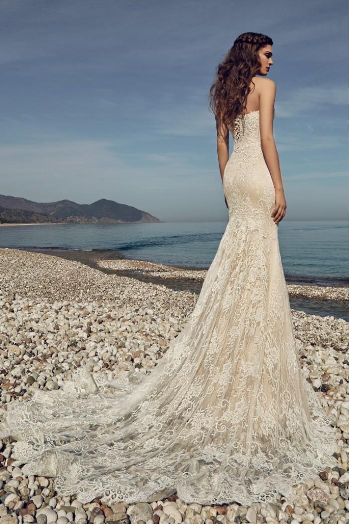 Супероблегающее свадебное платье силуэта русалка со шлейфом НЕФРИТ