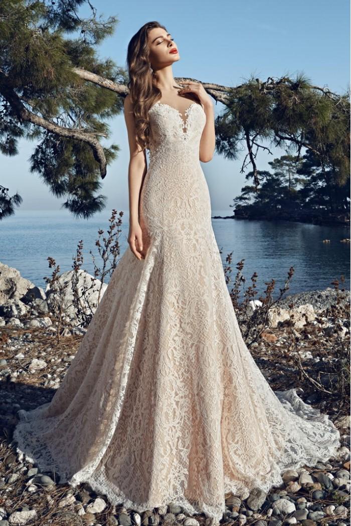 Свадебное платье из французского кружева со шлейфом ОПАЛ