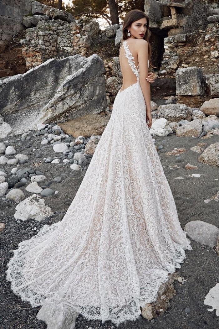 1a8451e3a7a Свадебное платье из французского кружева со шлейфом в Хабаровске