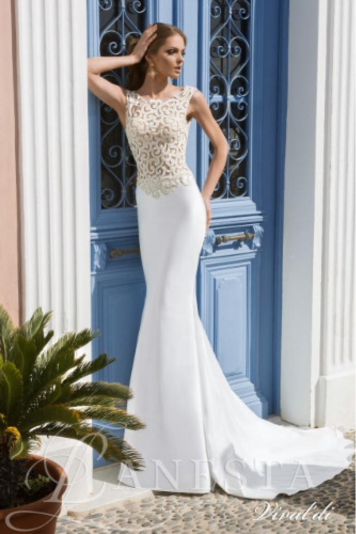 Свадебное платье силуэта русалка с открытой спиной ВИВАЛЬДИ