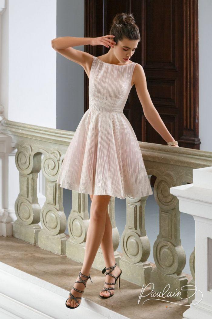 Элегантное сверкающем платье из глиттерной ткани с короткой пышной юбкой БРУК